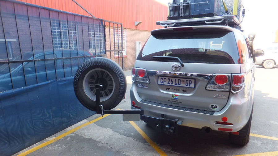 Dual Spare Wheel Carrier/Jerry Can Tow Bar Swing Arm - Tauro